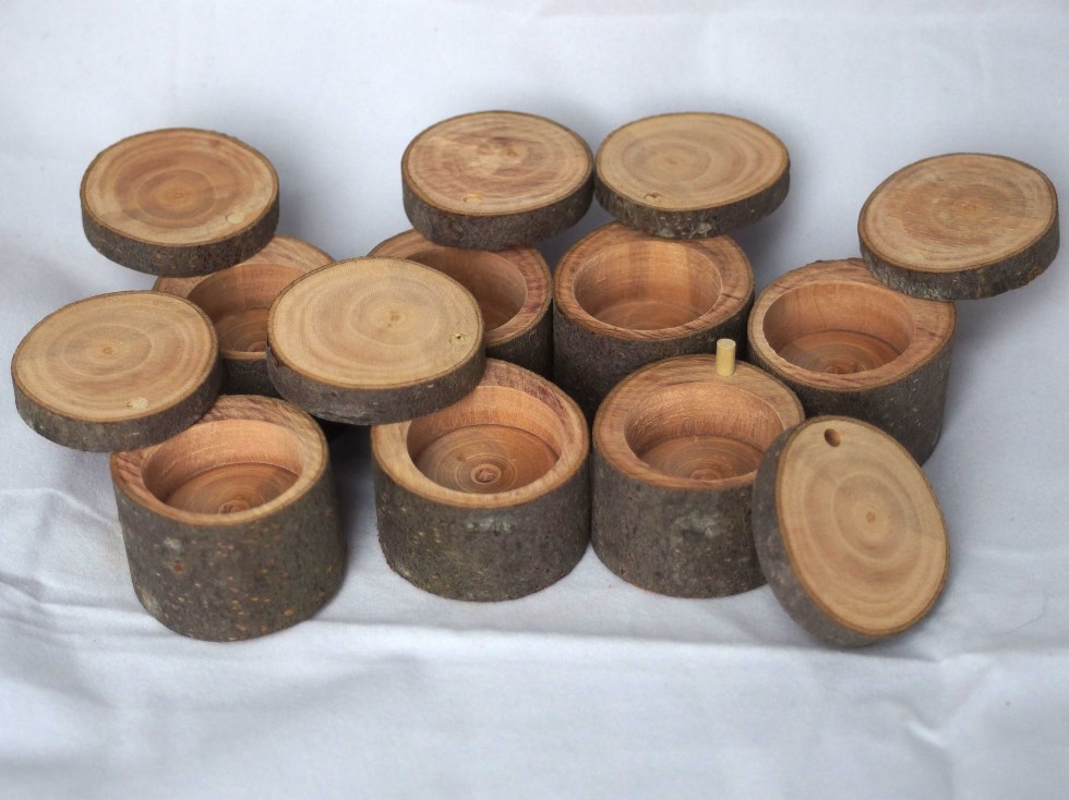 Rustic ring box 1 chamber natural elm wood by hope - Small rustic wooden boxes ...