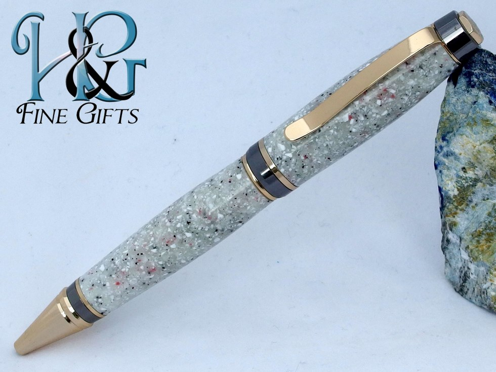 Handcrafted pen glow in the dark in gold and metal