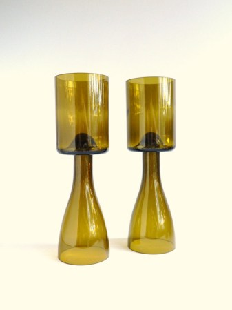 Gold glass wine bottle candle holder centerpieces by bomolutra for Champagne bottle candle holders