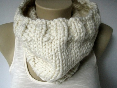 Vanilla Knitted Cowl