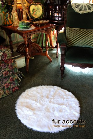 3' Round Plush Faux Fur Sheepskin Accent Rug White