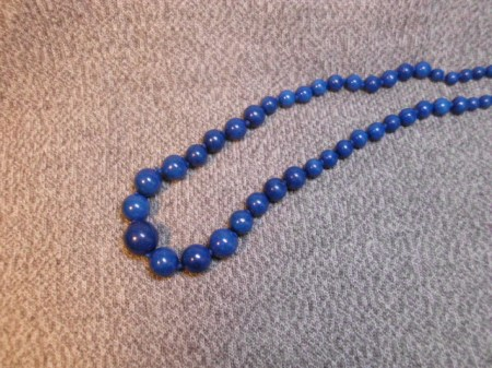 Graduated dyed blue beads