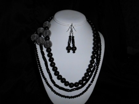 Basic Black and Silver necklace set