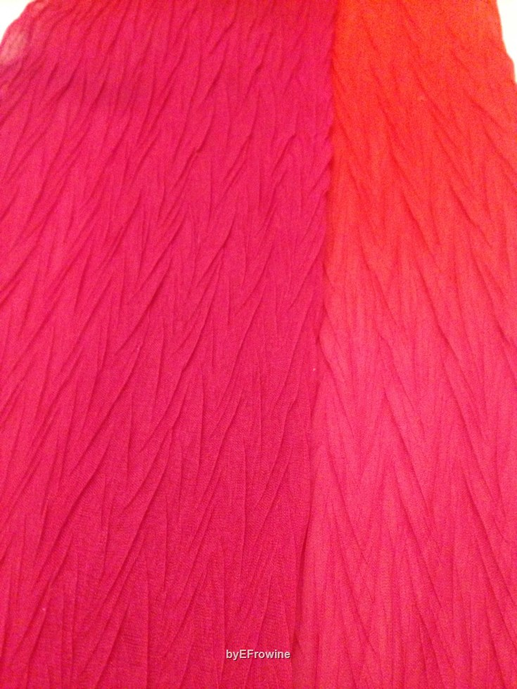 Gradient Red Pleated scarf